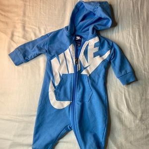 Baby Nike ZipUp outfit